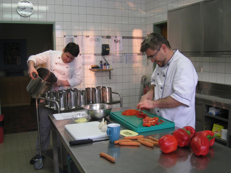 Küche-Tagesstruktur-Niederholz